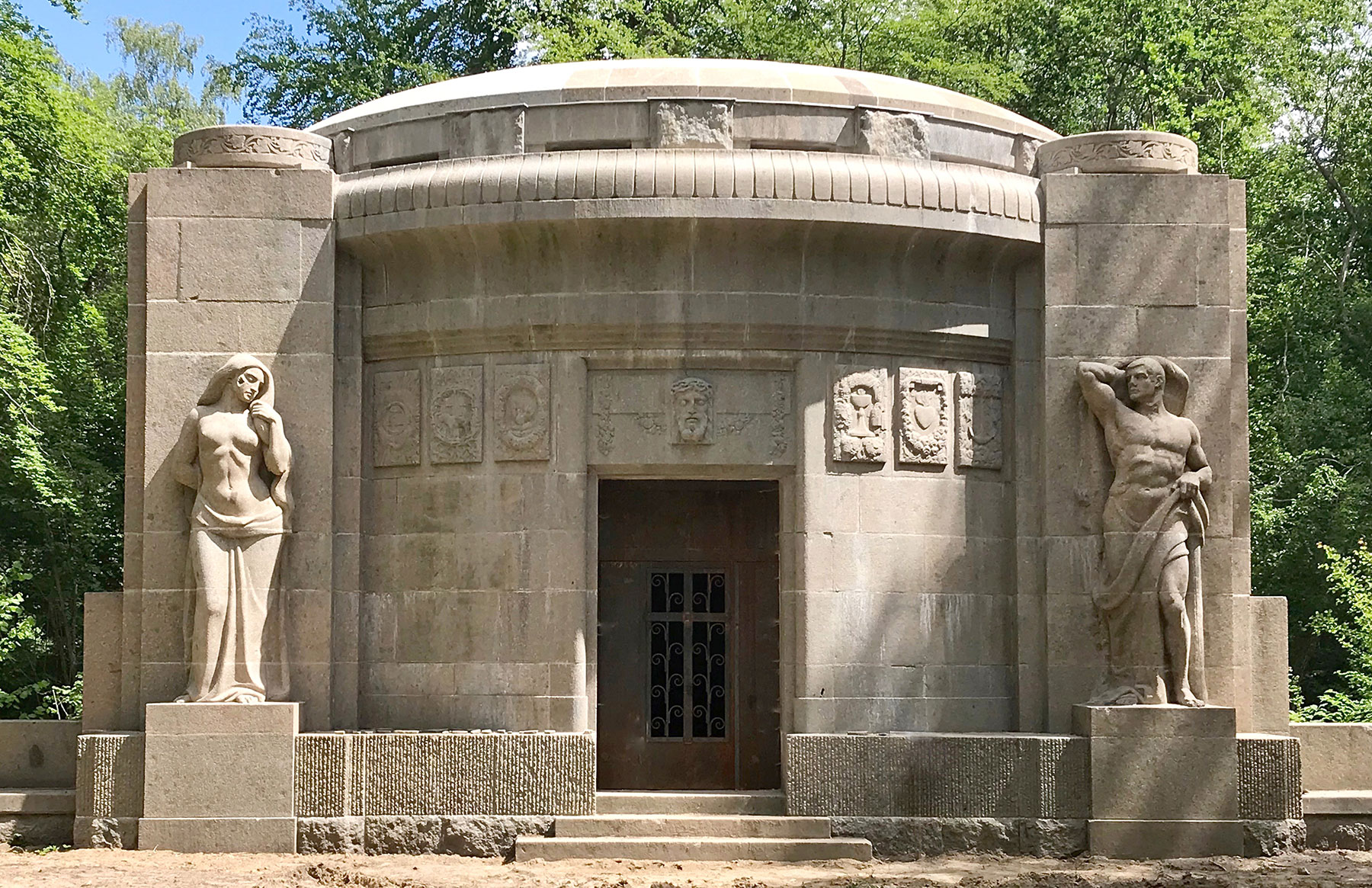 Mausoleum Karow